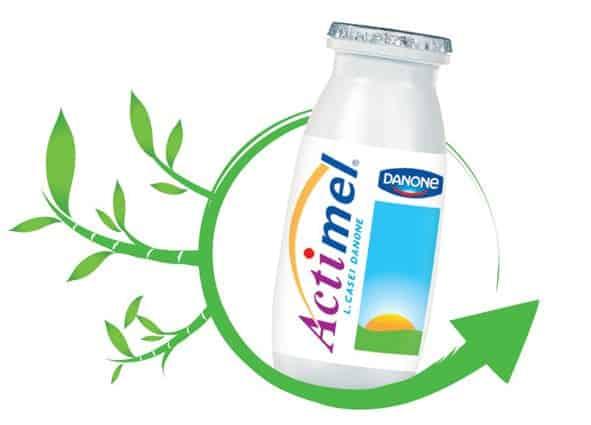 Un emballage écologique pour la nouvelle bouteille Actimel de Danone.