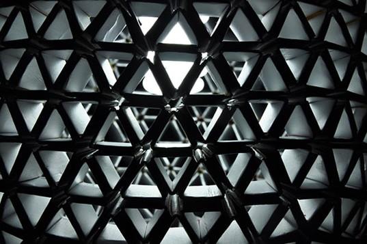 Un travail d'une symétrie parfaite.