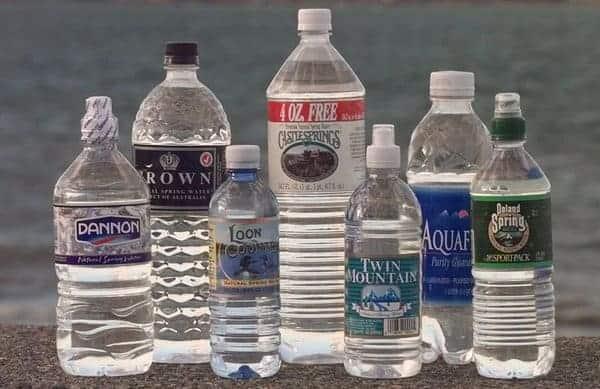 Une ville américaine interdit les petites bouteilles d'eau en plastique