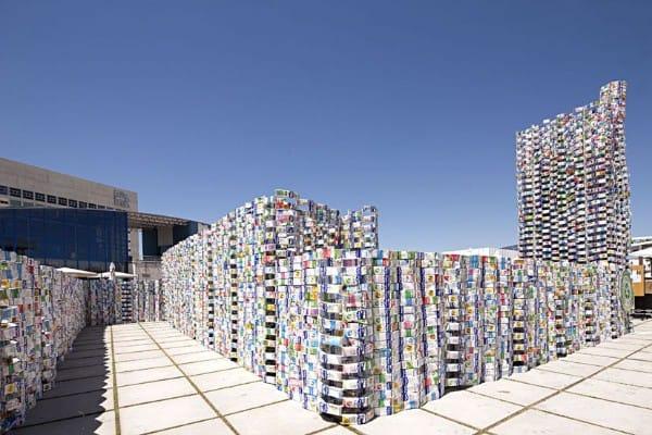 Un pavillon réalisé en briques de lait