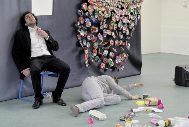One, Two, Tri & Garbage Land – 2 spectacles ayant pour thème la réduction des déchets.