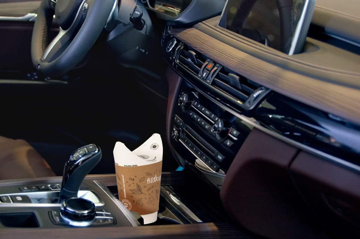 Gobelet carton fillÔcup en voiture
